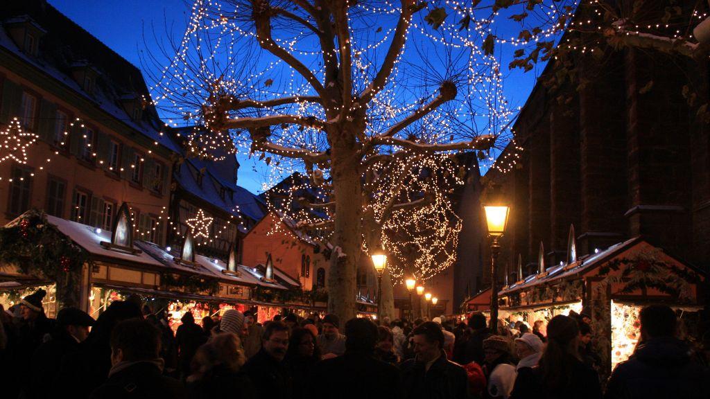 Marché de Noël de Colmar la nuit tombante